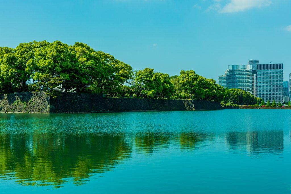 A view of Tokyo Imperial Palace across the water.